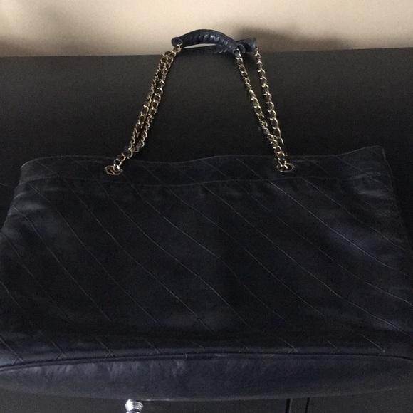 db15176dbd63 CHANEL Handbags - Authentic / vintage CHANEL black shopper (1980-90)